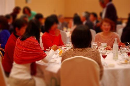 女性のテーブルは華やかですね♪