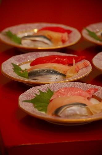 当会自慢の木村式自然栽培米「朝日」のお寿司!ネタは「すし遊館」自慢のマグロ、サワラ、ママカリ