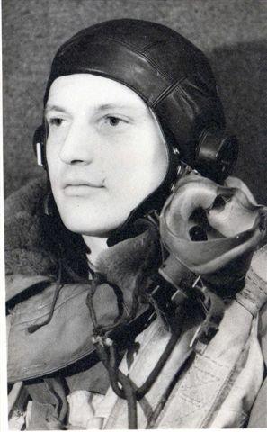 Raphael à Elvington en tenue de vol décembre 1944