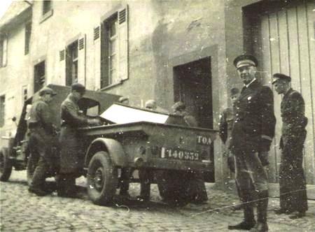 Mars 1946 sortie d'un des cercueils de le menuiserie de Mensenheim (?)