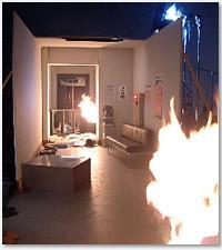「第4死 夢」合宿所の大火災シーン。