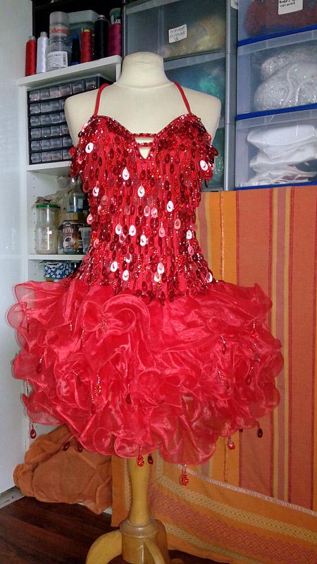 organza robe rouge à paillettes