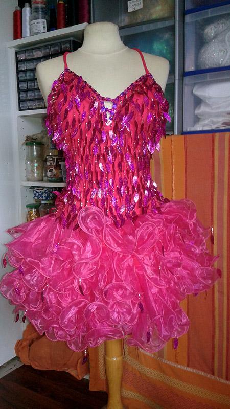 tenue robe organza rose