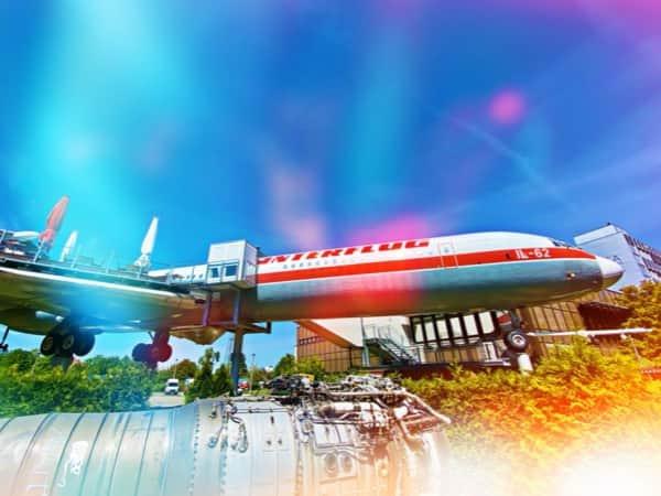 Ein Flugzeug - mitten in der Stadt?