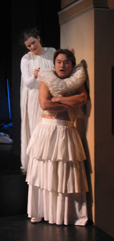Salome und Narraboth (Stéphanie Pothier, Jong Kweon Lee): Du wirst das fuer mich tun, Narraboth, nicht war?