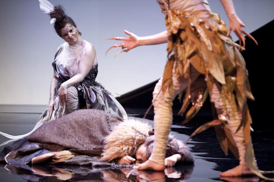 Tourterelle (Stéphanie Pothier), Belle Etoile (Marianne Lambert) et l'Oiseau (Scott Belluz)