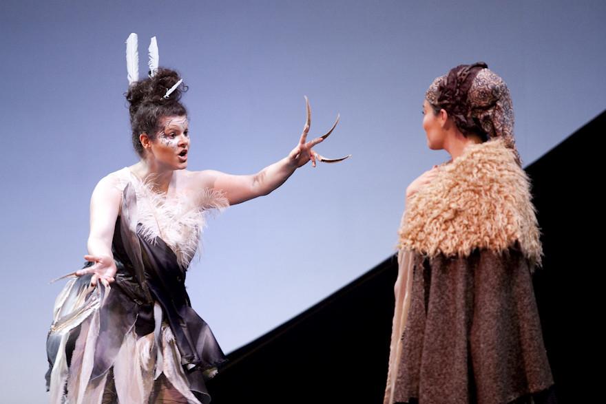 Tourterelle (Stéphanie Pothier) et Belle Etoile (Marianne Lambert)