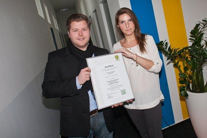 Übersetzungsbüro Halstrick aus Rheine wurde mit dem Zertifikat der Qualitäts- und Serviceroute Münsterland ausgezeichnet