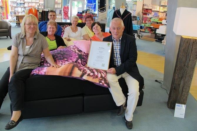 Betten Limberg aus Münster wurde mit dem Zertifikat der Qualitäts- und Serviceroute Münsterland ausgezeichnet