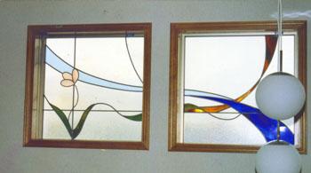 シンプルな花・デザインのステンドグラス