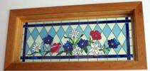 花のデザインのステンドグラス