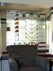ライト調のステンドグラス