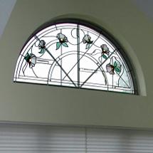 上品な花デザインのステンドグラス