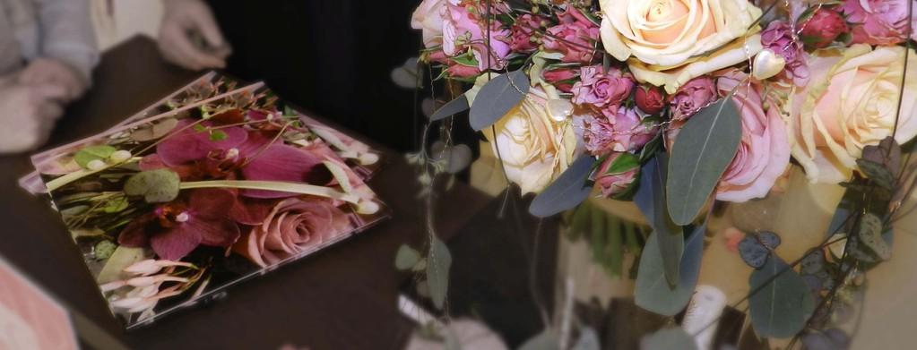 Hochzeit Heirat Quadriga Flora Flower Wedding Luzer Meggen Standesamt Kirche Beratung Brautstrauss Blumengeschäft Anstecker Tischdeko Weisse Rosen Speziell