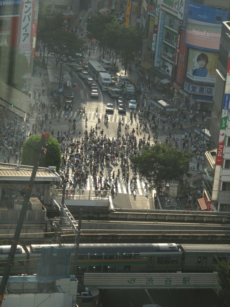 渋谷に一人一人がたくさん。