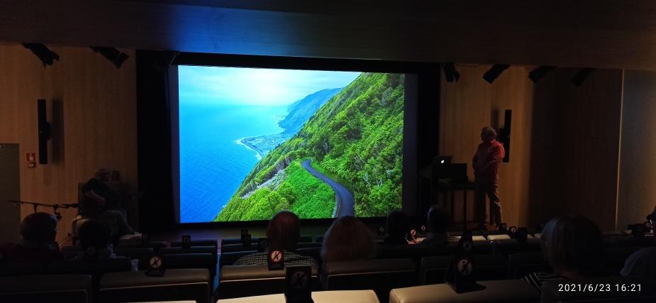 Lothar Leue im Auditorium während seiner Fotodarbietung