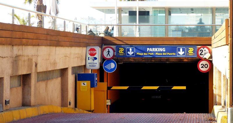 Tiefgarage/Parkhaus am Bootshafen von Alicante