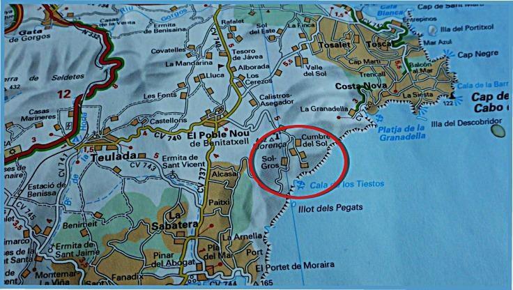 N38°42.477' E00°09.979' (Bucht/Felsen) +  N38°43.189' E00°09.582' (Berg/Antennen)