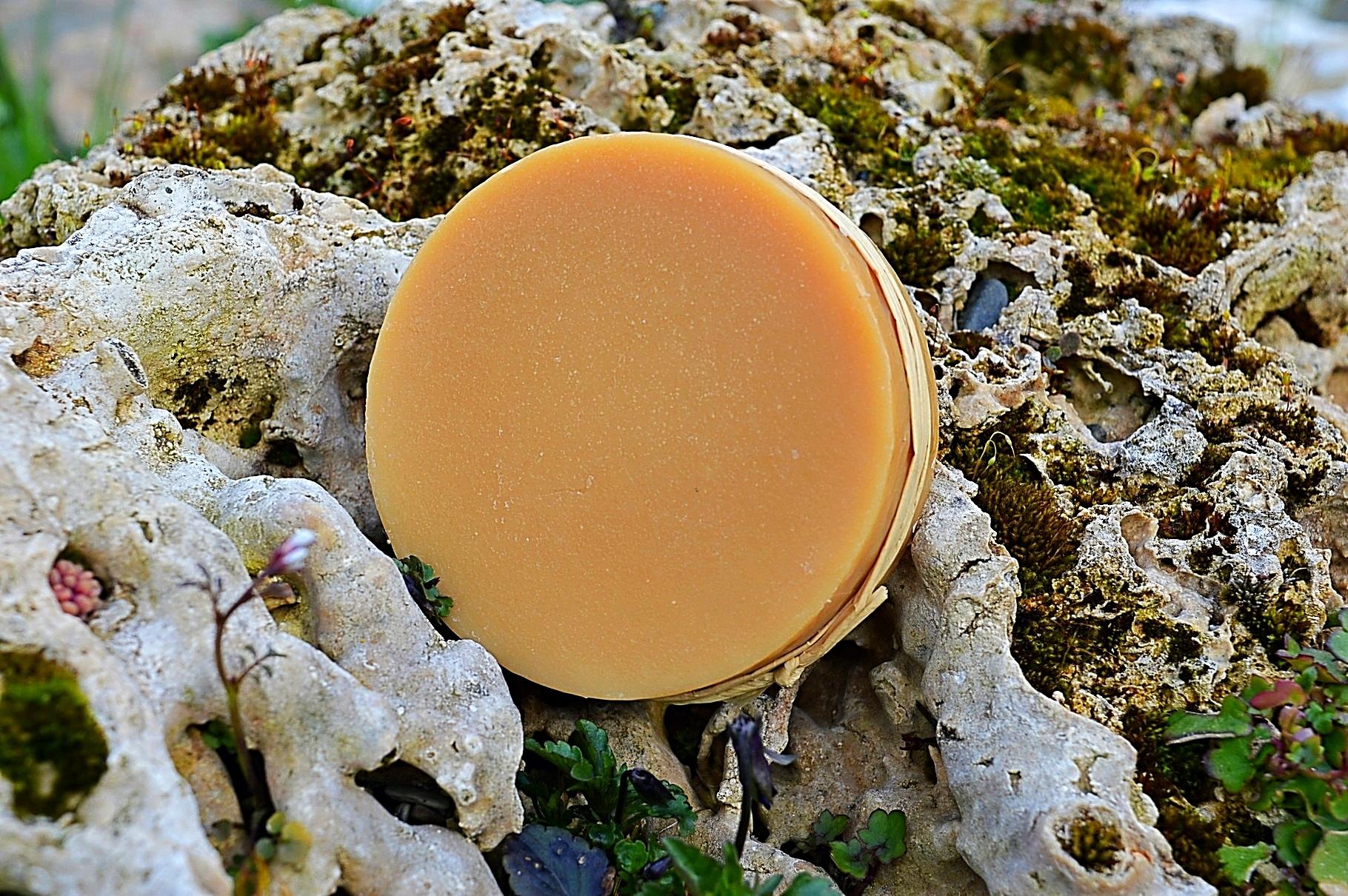 Le savon au miel pour une peau toute douce.