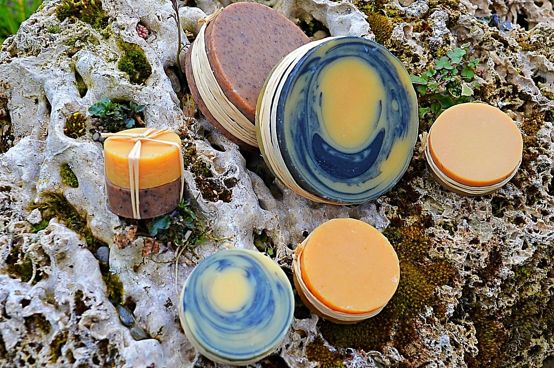 Mélange de savons naturels saponifiés à froid.