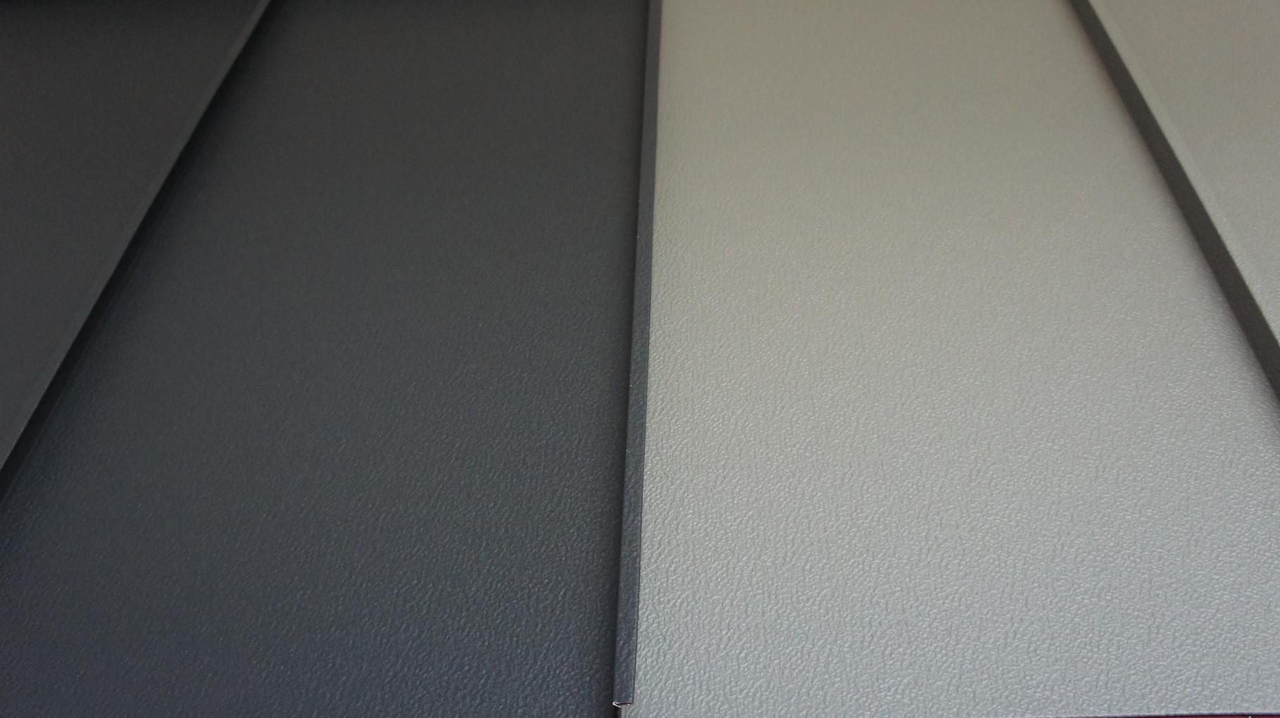 Stehfalzblechdach - anthrazit und hellgrau Oberfläche P.10