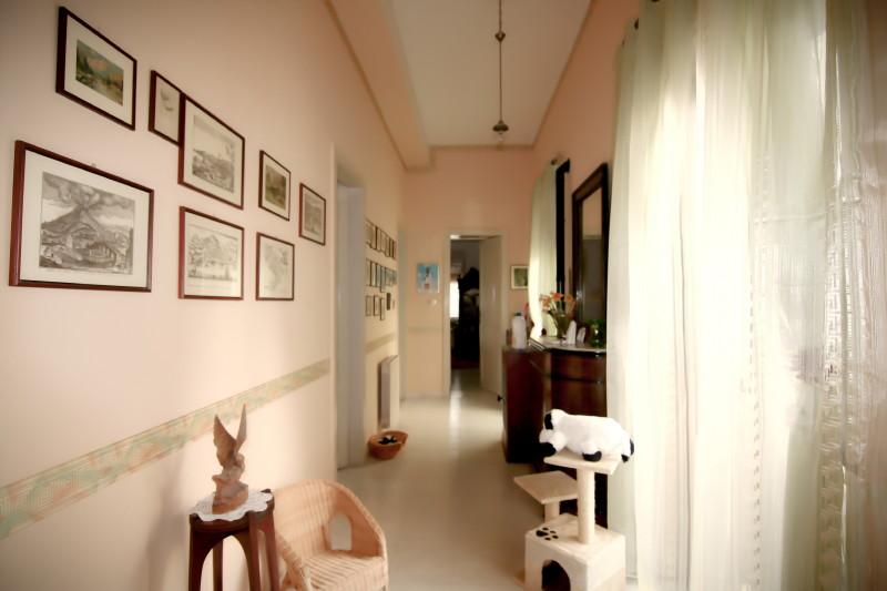 Gut erzogene Haustiere sind in allen Suiten erlaubt. Im Haus leben ein Hund und zwei Katzen.
