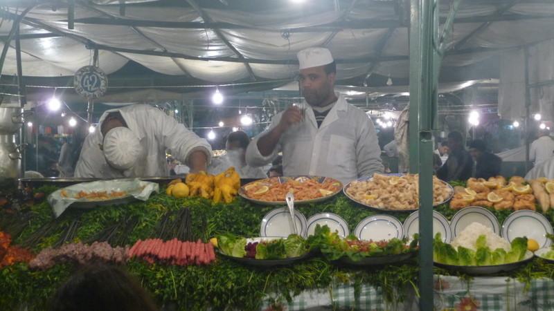 10/02/2009 Marrakech (la place Djemaa El-Fna le soir)