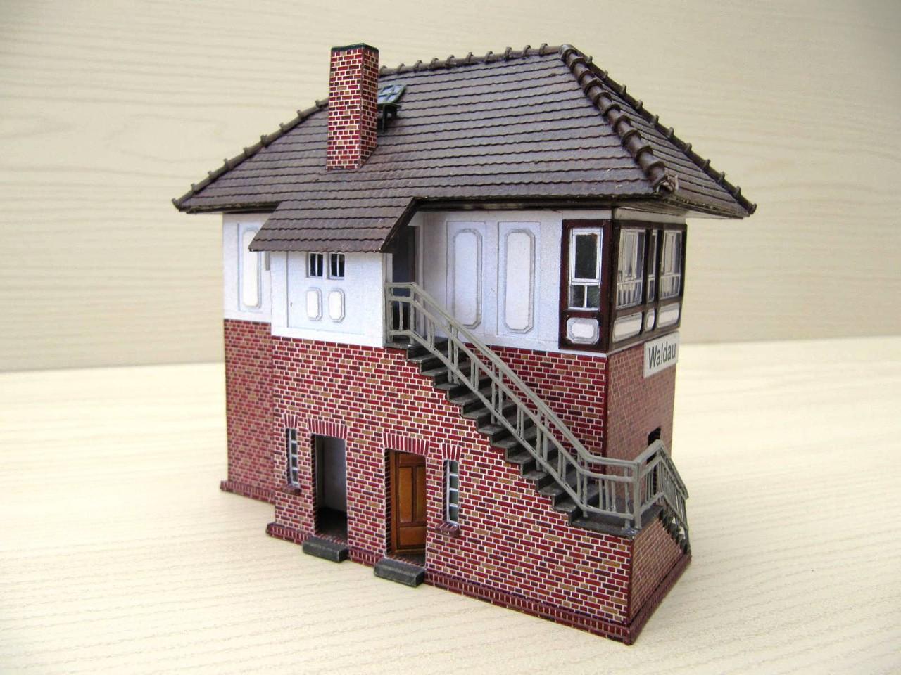 (c) W. Fehse - Außentreppe und verlängertes Dach 1:87 (H0)