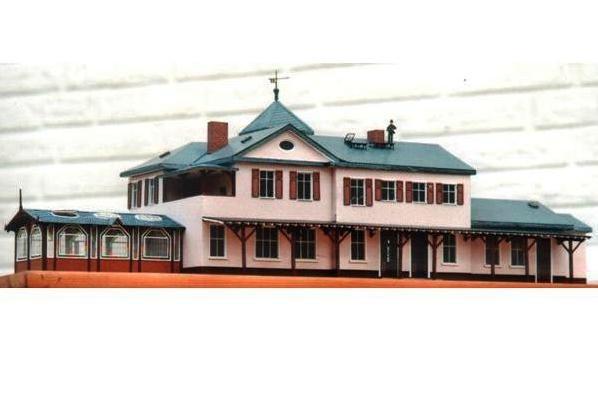 (c) W. Fehse - Empfangsgebäude Rückseite 1:87 (H0)