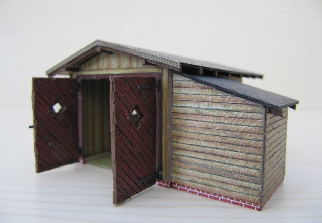 (c) W. Fehse - verbretterte Schuppentore und - wände