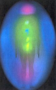 Kirlian Fotografie- Hier sehen Sie das Energiefeld und die Chakren eines Menschen