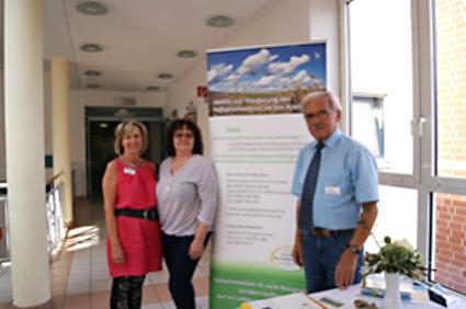 Chefarztsekretärin R. Wendt, Pflege-Leitung Palliativstation Heike Reichardt, Dr. L. Zeuner