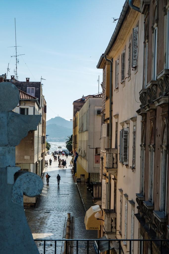 Zadar Blick auf die Kalelarga und Ugljan