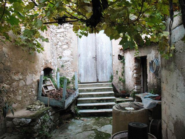 Innenhof mit Außenküche
