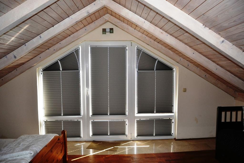 Schlafzimmer oben, mit Panoramafester, zur Dachterasse