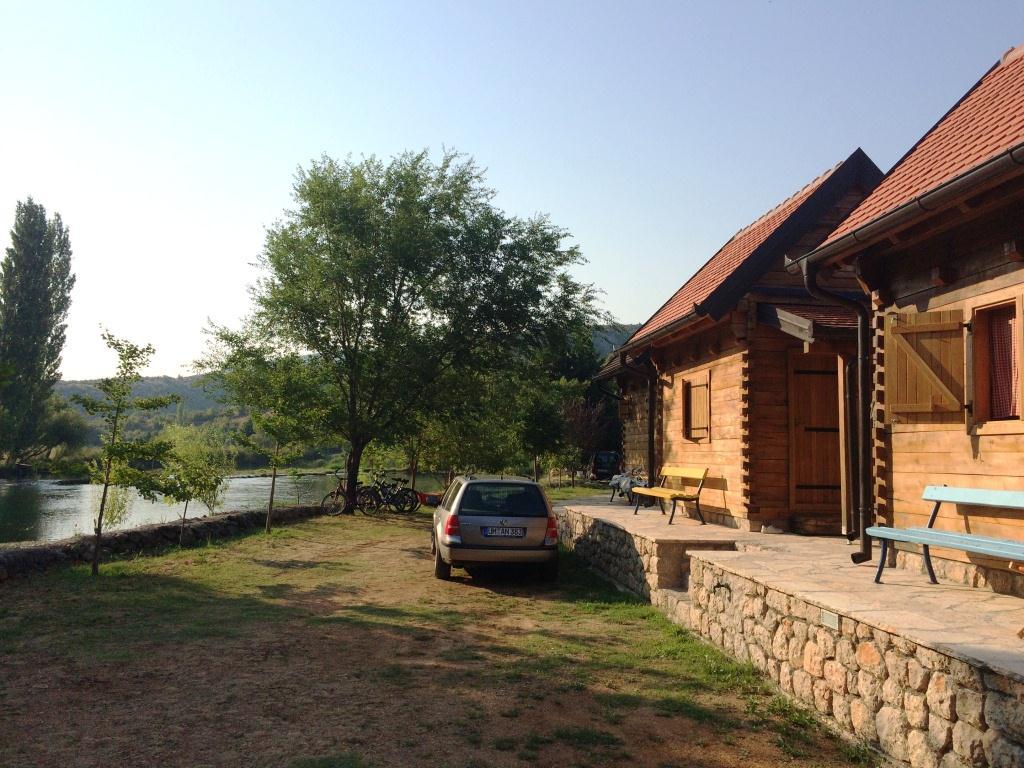 Romatische Holzhütten