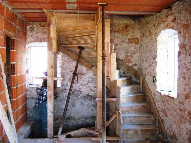 Innentreppe, kroatische Häuser, haben meist keine Innentreppen, auch heute noch.