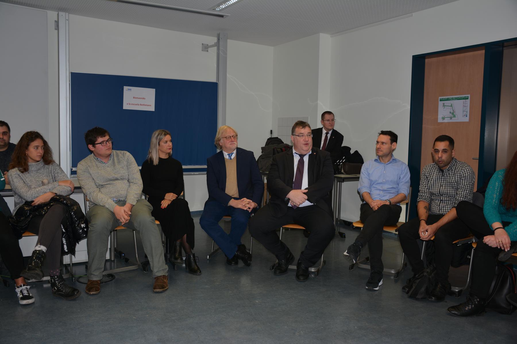 Gesprächsrunde mit hessischem Staatssekretär für Europaangelegenheiten Mark Weinmeister