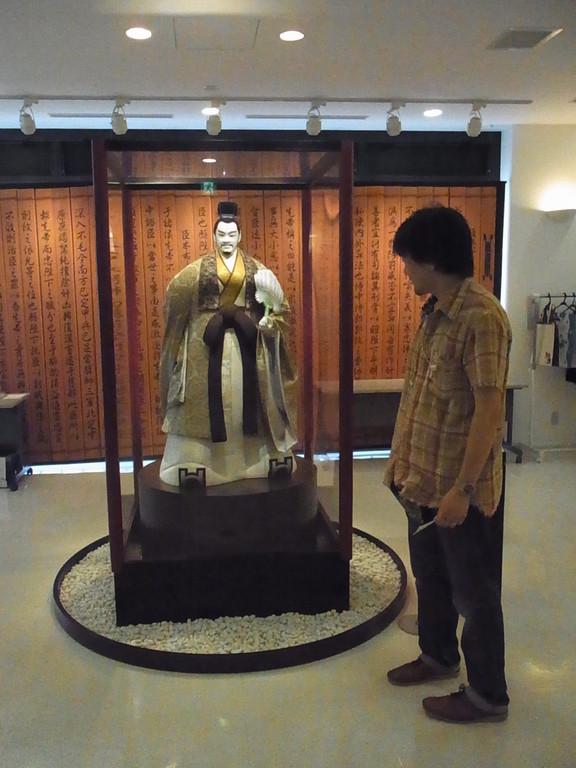 川本喜八郎人形美術館。諸葛孔明と記念写真撮れます。