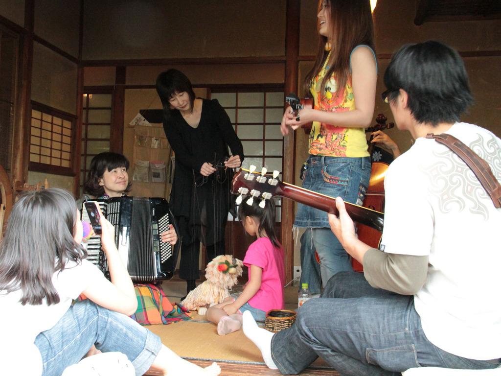ギター+チェロ+アコーディオン