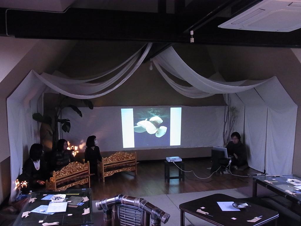 写真家*小原孝博さんの映像もコラボ。