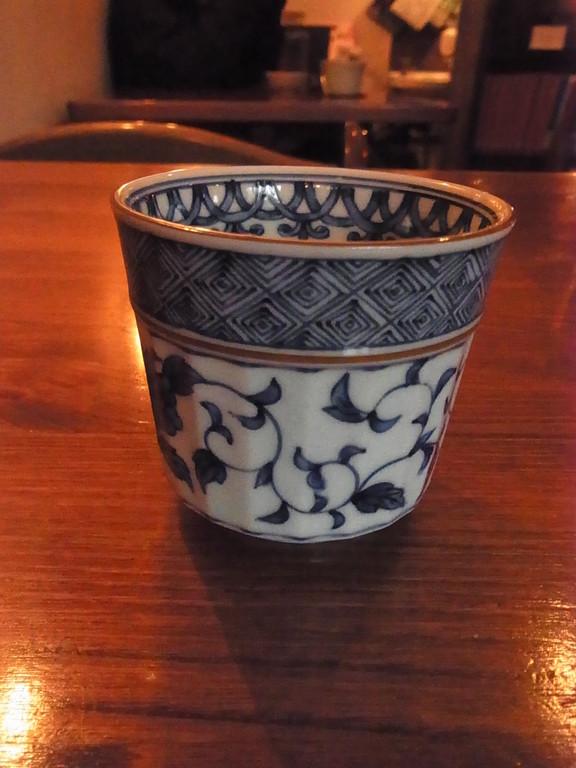 お水もこんなカップででてきます。