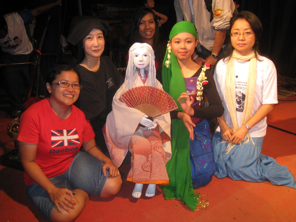 2009年6月 * ジャワ島公演 『海が見たい』終演後