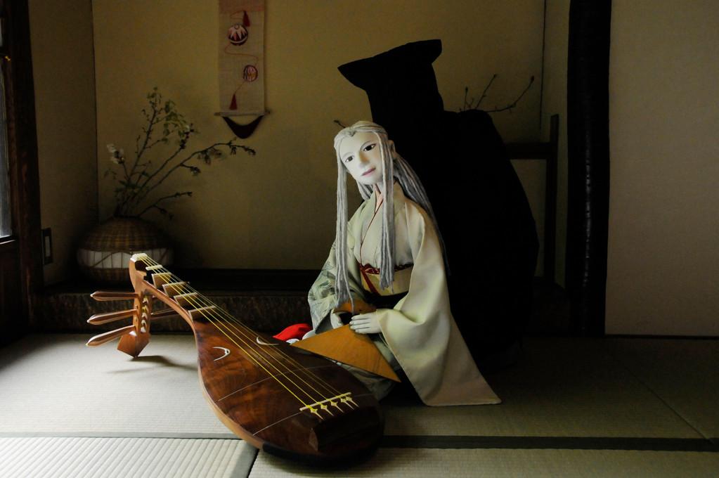 琵琶と人形による語り舞台 KiKiふぉれすと  撮影/熊谷正
