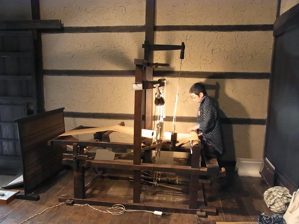 佐々木家では機織りもしていました。