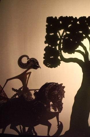 ワヤン・クリの人形を遣った ちいさな影絵 『 星の馬 』