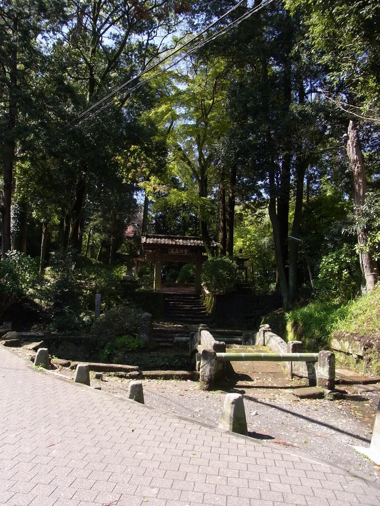 鎌倉五山のひとつ浄智寺さんへ。