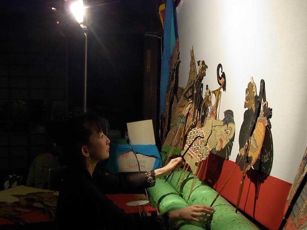 2010年9月 * 徹夜ワヤン 『 スマル失踪 』