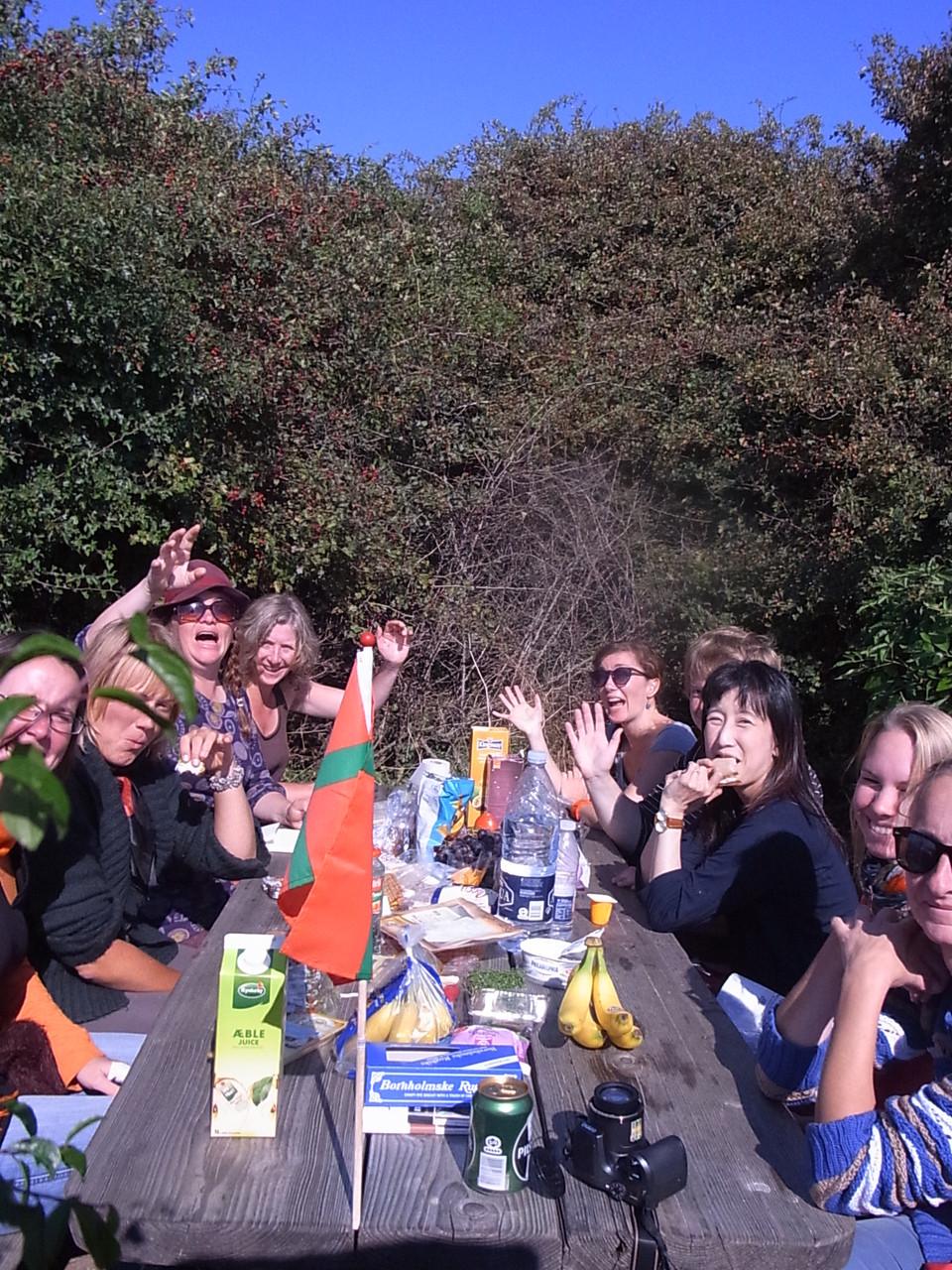 みんなでピクニックランチ。