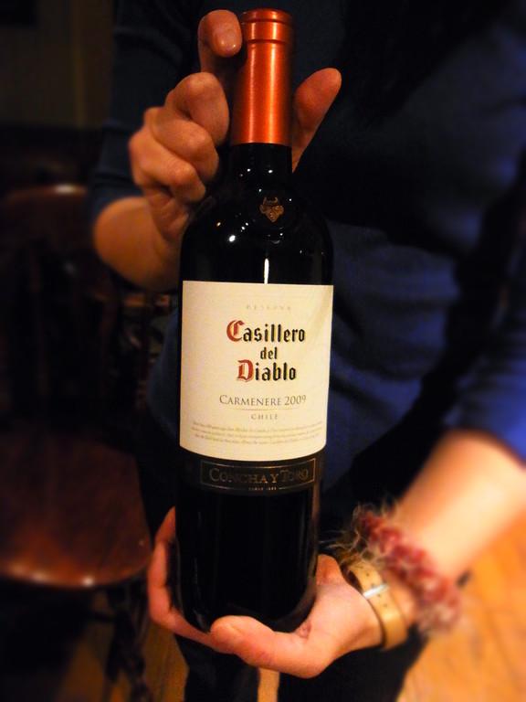 劇中で使用する赤ワイン到着~♪